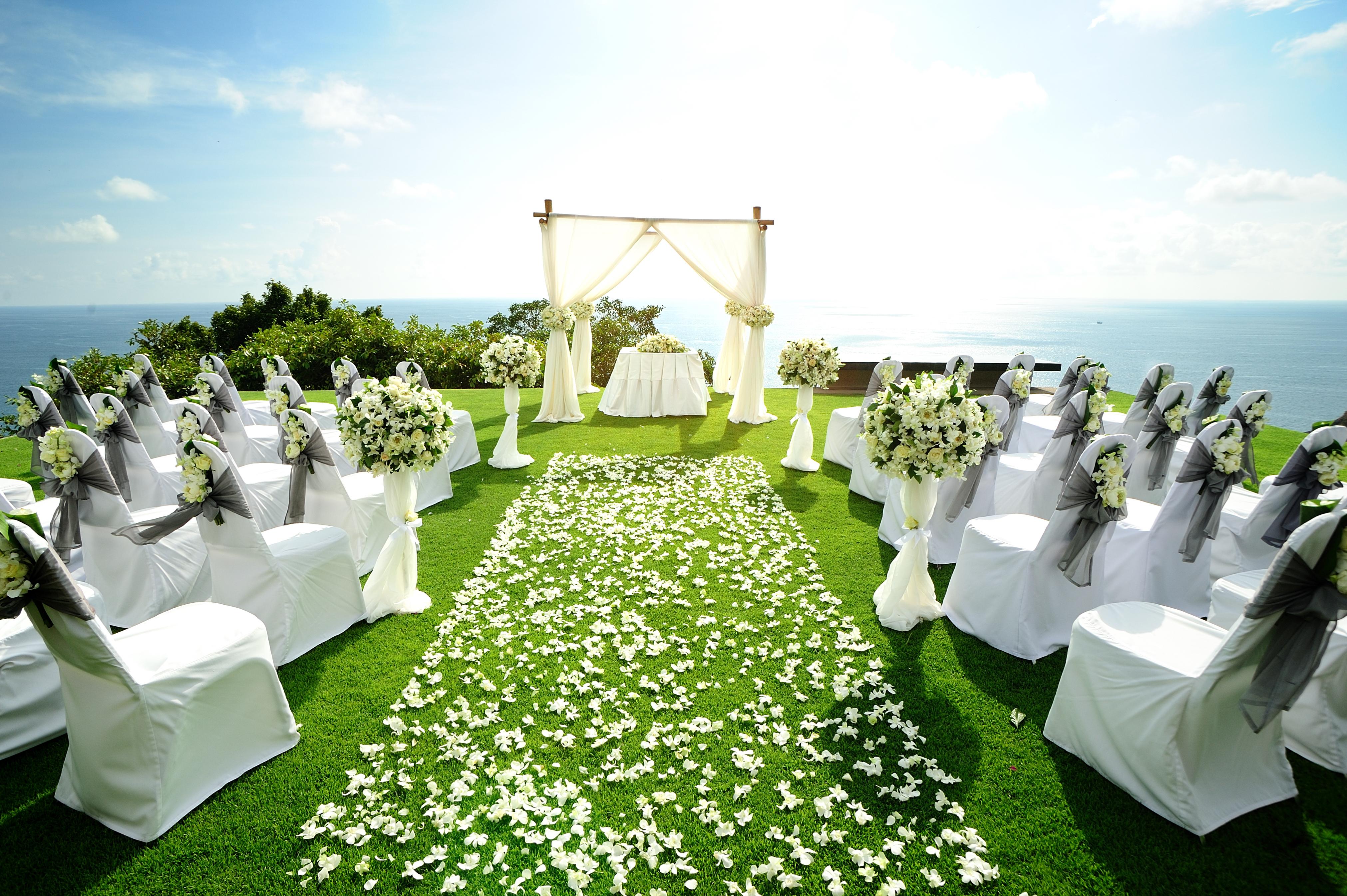 allee-ceremonie-mariage-exterieur